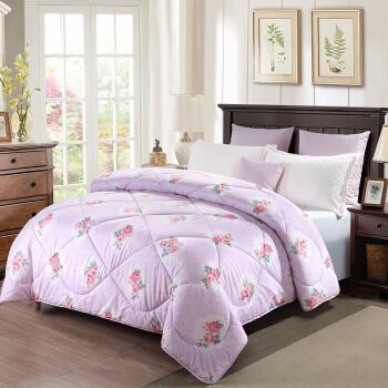 安眠宝布団五星ホテルの寝具は、ゴシック四季によって芯プリントされています。冬は1.5繊維で繊細なプリントされています。