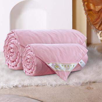 シルク煌の手編み糸は冬に100%桑蚕糸で子母に結婚されます。芯子母はシルク2+2 kgのダンベルに200 x 230 cmです。